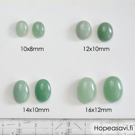 *Uutuus* Aventuriini, vaalea vihreä, värin sävy uniikki, soikea, 14x10mm, 1 kpl