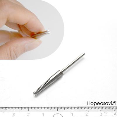 Kara jonka keskellä on ura hiekkapaperille, kapeneva sylinteri, karan paksuu 2.2mm