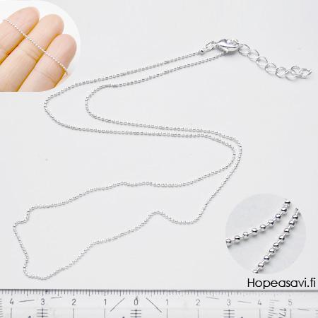 Ranneketju, palloketju, hopeoitua messinkiä, paksuus noin 1mm, pituus säädettävä: noin 17.5-21cm, papukaijalukko
