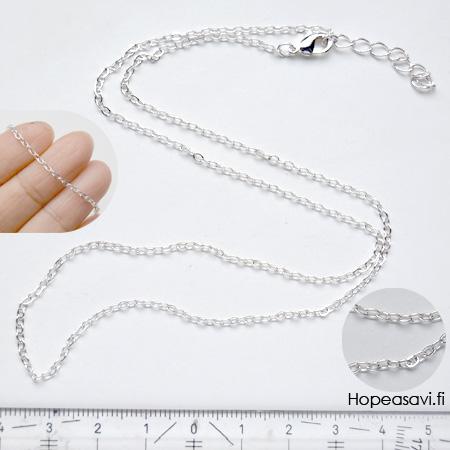 Ketju, pyöreät lenkit, hopeoitua messinkiä, paksuus noin 2mm, pituus säädettävä: noin 57-60cm, papukaijalukko