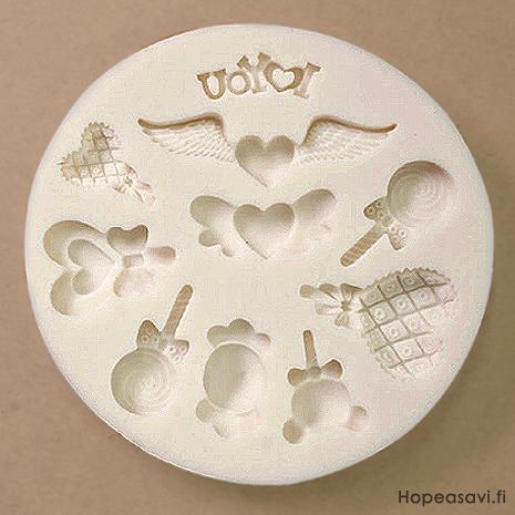*uutuus* Muotti, joustavaa silikonia 'Sydämiä ja Karkkeja' 10 erilaista, pienin noin 15mm, suurin noin 45mm