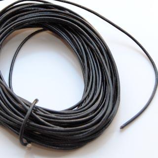 Nauha, aitoa nahkaa, musta, pyöreä, 1.5mm, 2m
