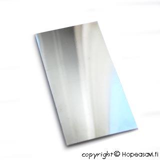 *Siivousmyynti - huom. levyn pinta hieman patinoitunut*  Hopealevy 925, pehmeä, 15X10cm, paksuus: 0.5mm, paino noin 80gr.
