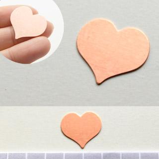 Kupari, muotopala, Sydän, 21x22mm, paksuus 0.5mm, emalointiin tai korun osaksi, 3 kpl