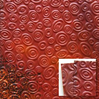 Kuparilevy, patinoitu, kuvioitu kiehkura (kohokuvio), PUNAINEN JA MUSTA -kuvio, noin 70x70mm, paksuus 0.15mm, pehmeä, uniikki kuvio, OVH 6.95