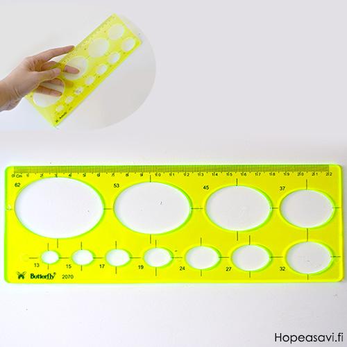 *Mallikappale -huom. mitat eivät aivan tarkkoja* Sapluuna, akryylimuovia, soikea, 13-62mm (mittojen poikkeama noin 3%), esim. paperifiligraanitöihin