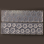 *Yksittäiskappale* 3D -muotti, joustavaa muovia, ACS Exclusive, PERSIKAN KUKKA, pieni -viisi kokoa: 4,5,6,7 ja 8mm kukille