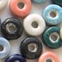 *Mallikappale-Poistoale* #PS2 -Posliinihelmiä, rondelleja, eri värejä, noin 10x3mm,  8 kpl