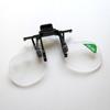 Suurennuslasi eli ns. luuppi, 2X suurennos, käytetään silmälasien kanssa, saranasysteemi