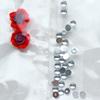 *Mallikappale-Poistoale* Kimaltelevia koristeita, kuvassa #B-300, esim. hartsikorun koristeeksi, sekoitus kuin kuvassa