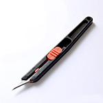 Kynämallinen laadukas veitsi, erittäin terävä, +5 vaihtoterää, terän saa vedettyä suojaan.