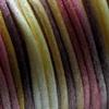 Lanka, satiinia, Viinitarha -sävy, 2mm, 5m (1x5m pussi), helmitöihin, kumihimoketjuihin jne.