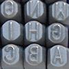 *Uutuus -huom uusi koko* Leimasin, punsselisetti, aakkoset & numerot, 36kpl (A-Z,'&',0-9), leveys 6mm