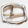 *Mallikappale* Rullasolki, kuvassa #052, metallia (sis. nikkeliä), 30x30x1.8mm, esim. laukkuun, nahkavyöhön tms. 1 kpl