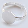 *Erä* Sormus, aihio, hopeoitua messinkiä, leveys 3mm, tasainen paikka koristeelle (10mm), säädettävä, läpimitta noin 16-18mm, 1kpl