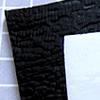 *Taas varastossa* Sulatuslasi, Bullseye, lajitelma musta-valkoinen, noin 3-5 palaa, paksuus noin 2-3mm, noin 100g