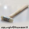 Vasara, laadukas kestävä nailonkärki, pyöristetyt reunat, 22mm, varsi saarnia, valmistettu Saksassa.