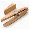 Työkalu, korupidin, sopii eri kokoisille koruille, kovapuuta, leuka suojattu nahkalla, kiilapuristus, pituus 15cm