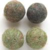 *Mallikappale-Poistoale*  Helmi, villa/huopa, vihreä & tumma vihreä, noin 30mm, 4 kpl kuin kuvassa, tehty EU-ssa